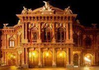 ベッリーニ歌劇場