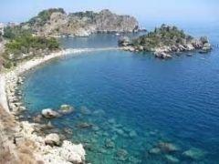 タオルミーナの海